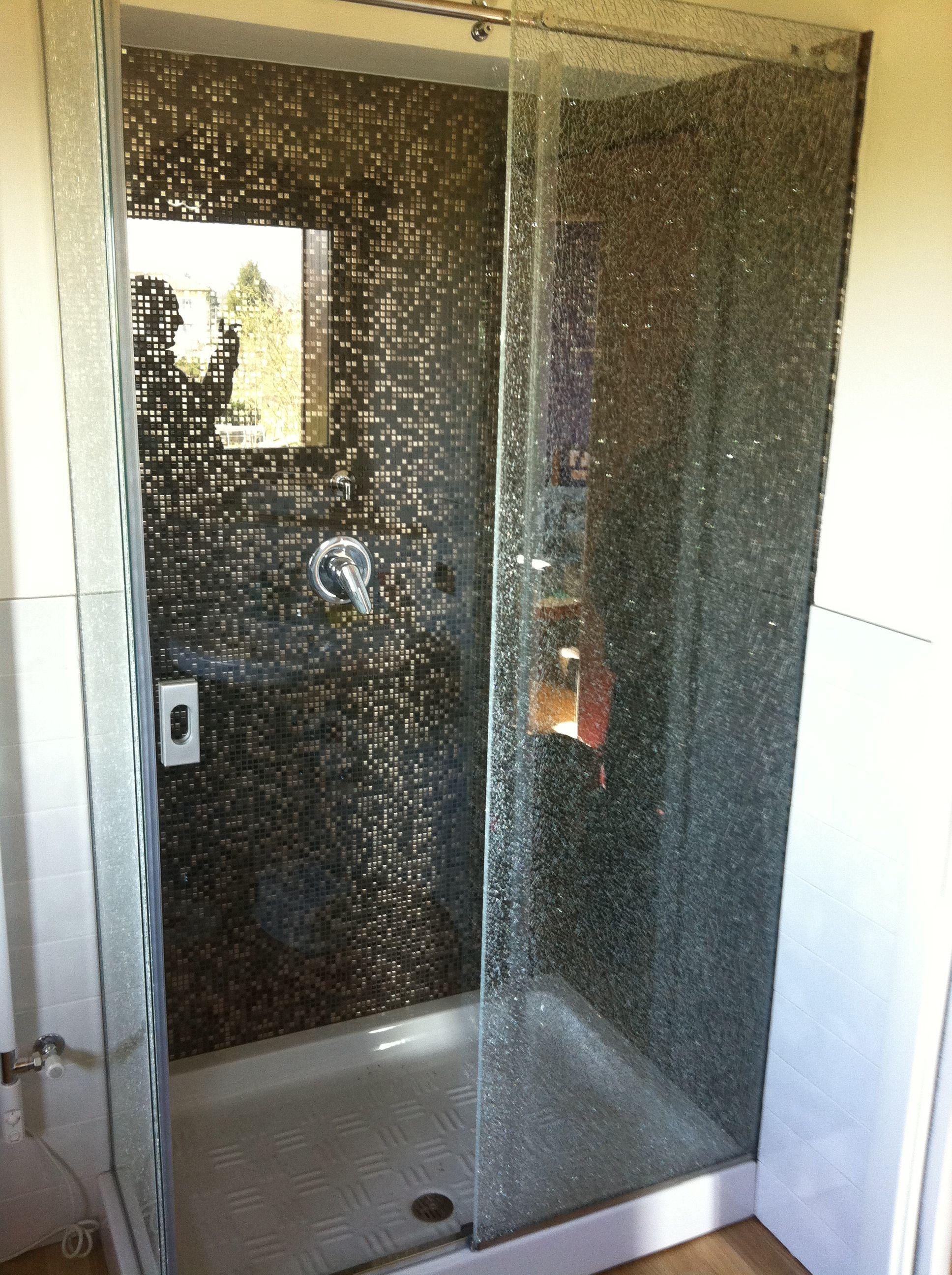 Box doccia con rivestimento in mosaico Arredamento bagno