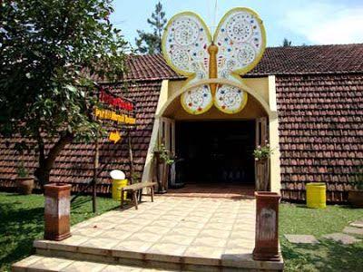 Taman Kupu Kupu Bandung Tempat Wisata Hemat Bagi Anak Anak