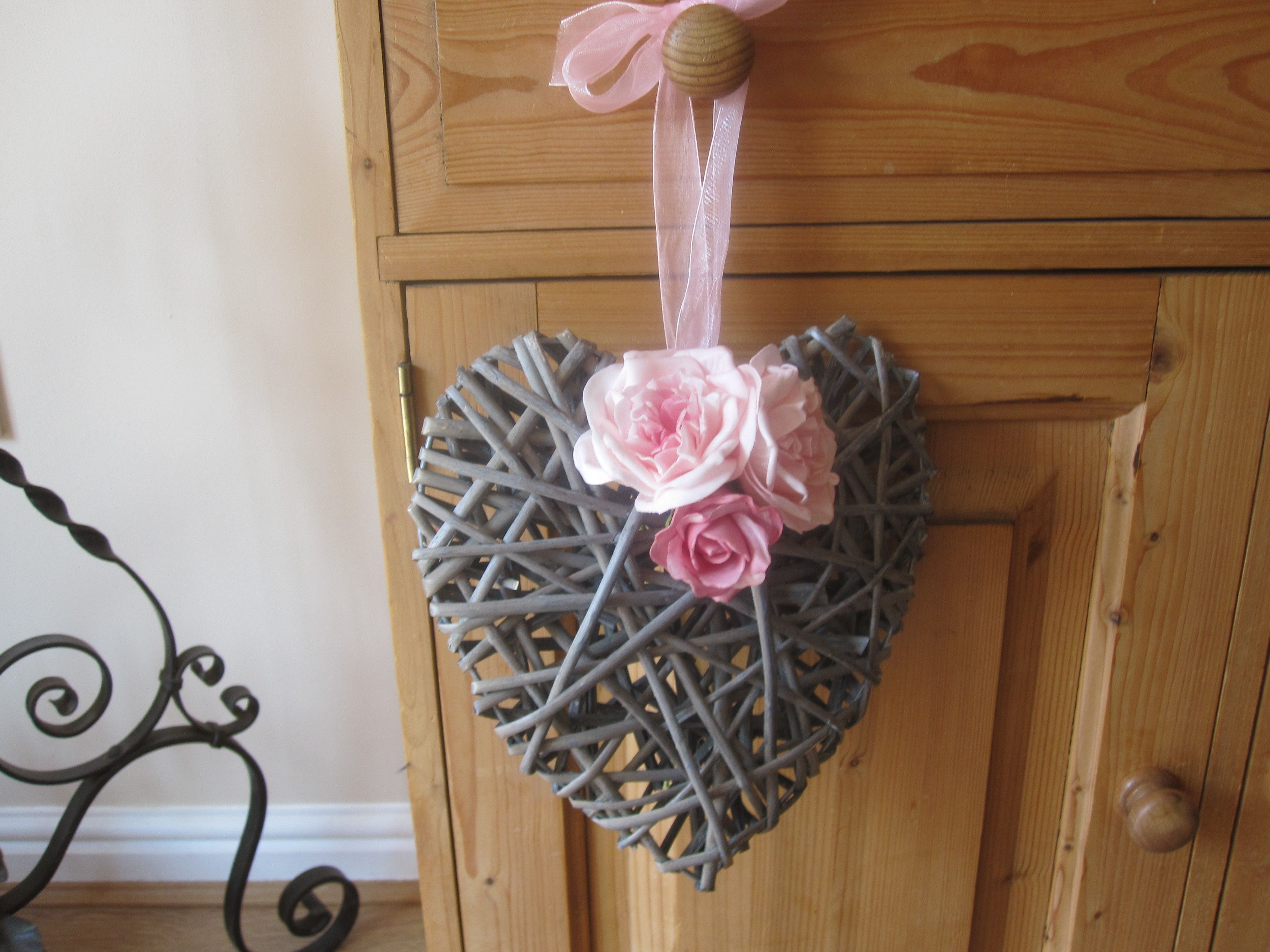 Wicker heart with pink flowers 9 ideal for wedding or party wicker heart with pink flowers 9 ideal for wedding or party decoration junglespirit Choice Image