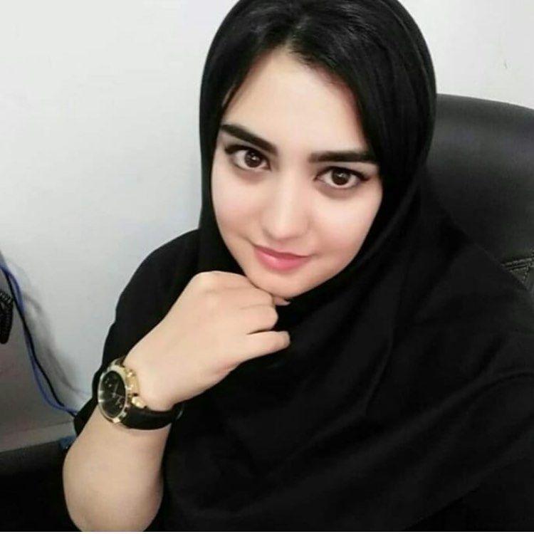 بنات مسلمات للزواج في بريطانيا ابحث عن الزواج من بريطاني مسلم انسة مسلمة مقيمة في بريطانيا In 2021 Attractive Women Women Attractive