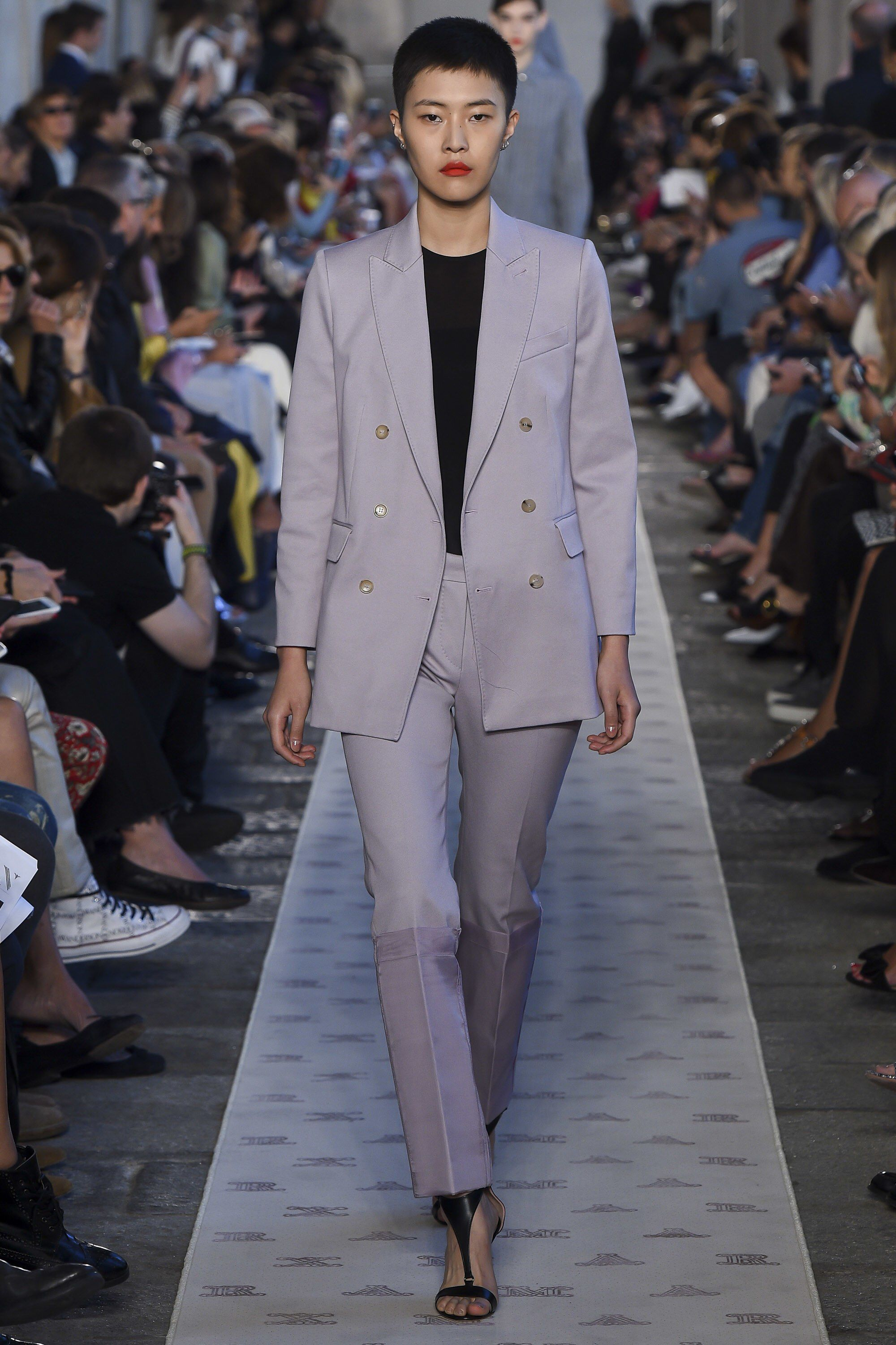 dc63b79af696 Max Mara Spring 2018 Ready-to-Wear Fashion Show Collection