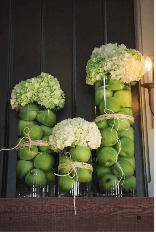 Hyacinths in Fruit-Filled Vases - If you love the color and ambiance of autumn, bring the great outdoors in with these natural fall tablescapes ideas for your home.