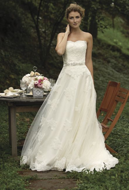 This Is What My Wedding Dress Looks Like On A Skinny
