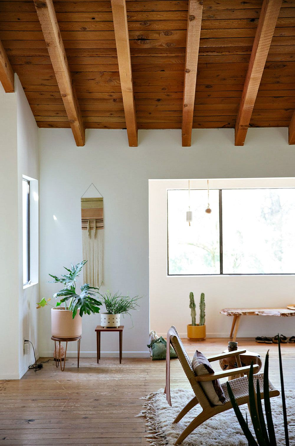 Malia Bianchi-Mau's Artistic Topanga Home + Relaxed