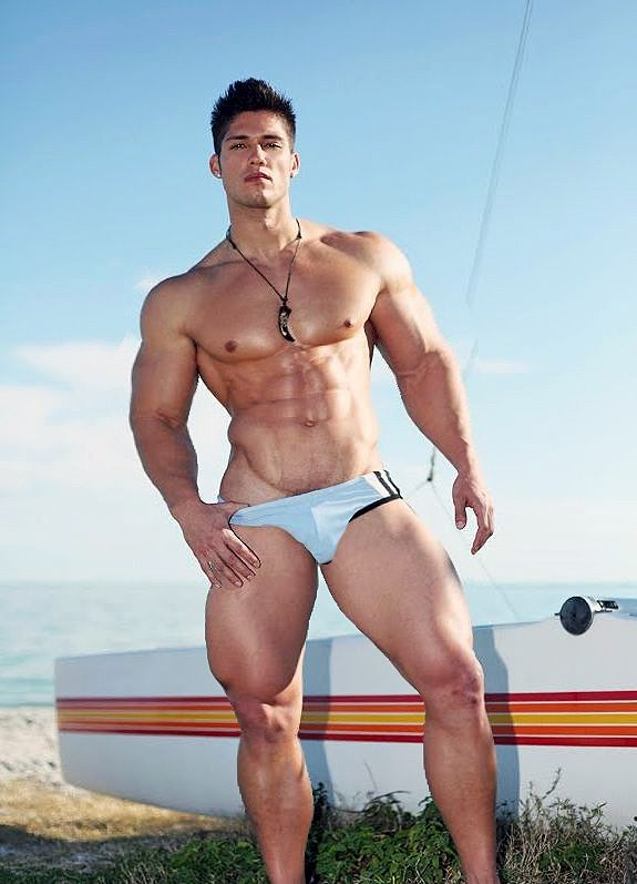 Best Suits For Muscular Build