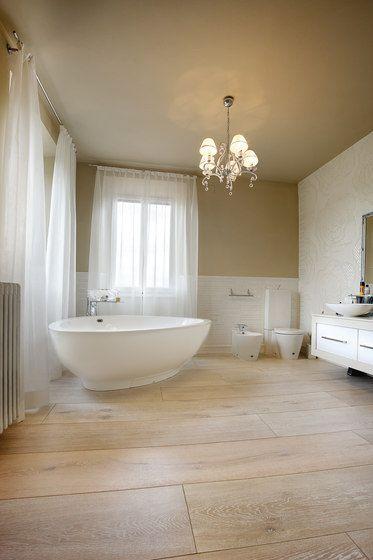 wohnbad <3 #holzdielen #badezimmer #kronleuchter #freistehende ... - Kronleuchter Für Badezimmer