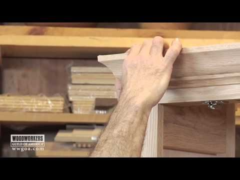 Woodworking Diy Project Installing Crown Molding On A Cabinet Kitchen Cabinet Crown Molding Crown Molding Kitchen Molding Installation
