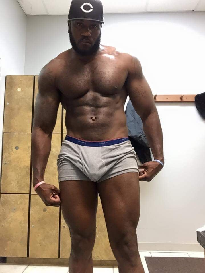 Naked thick boys — photo 3