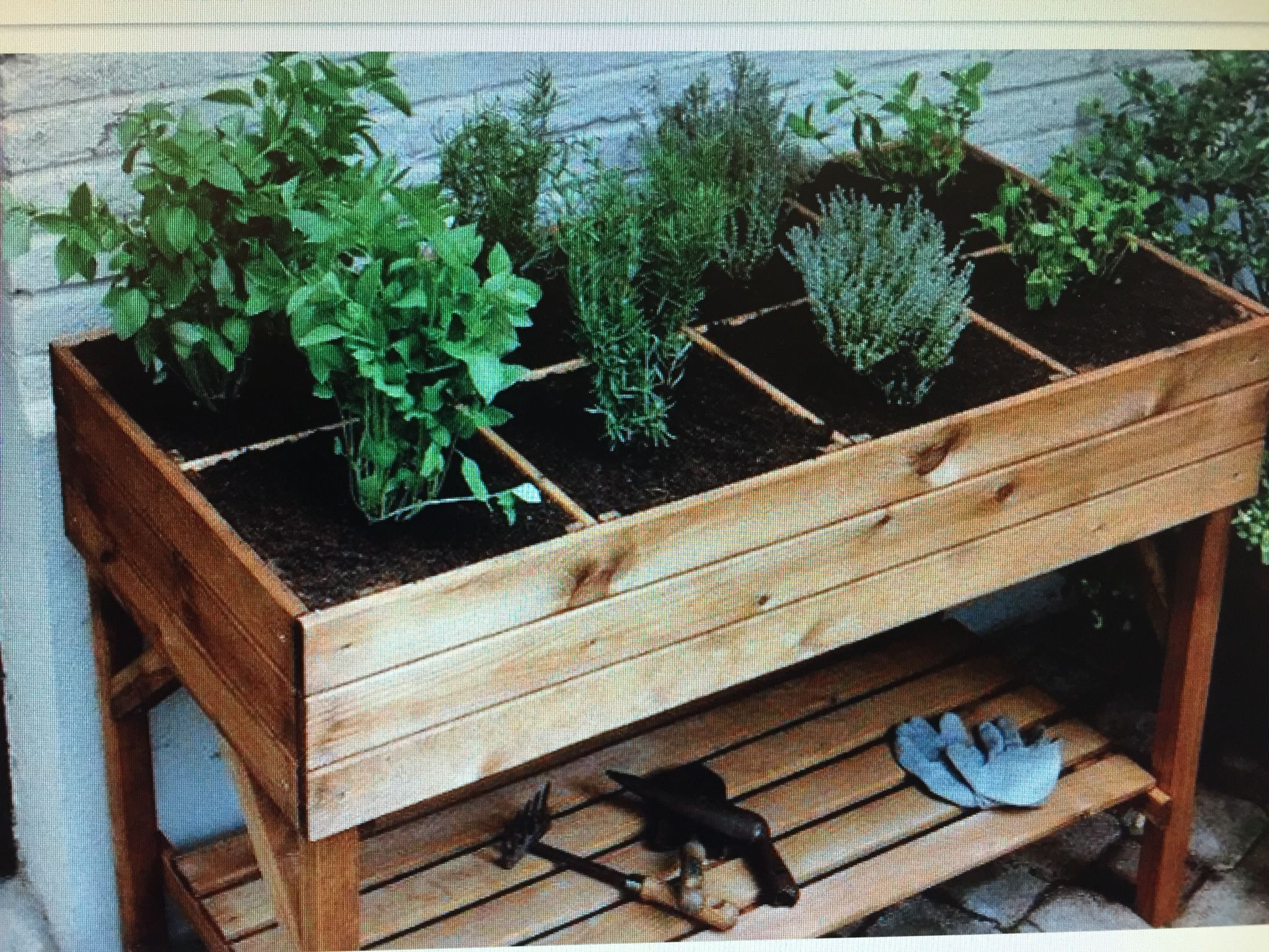 For balcony garden - simple & roomy!