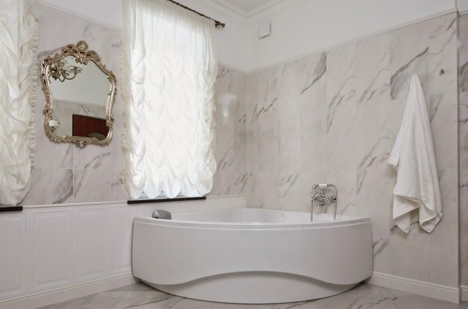 salle de bains avec douche et baignoire Salle de bains classique