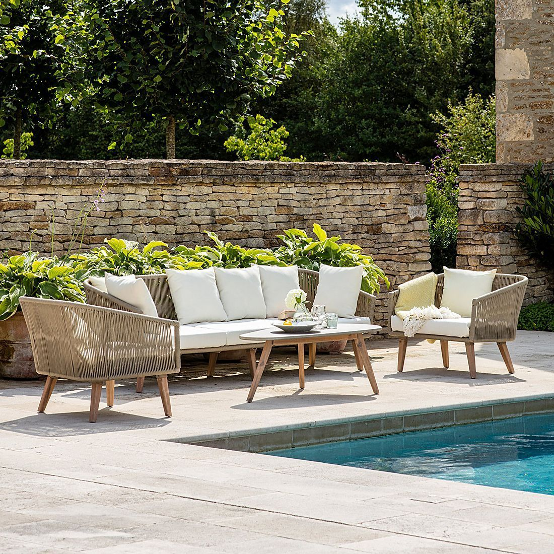 Garden Furniture Doesn