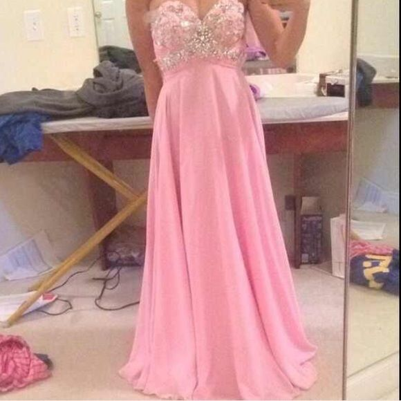 PINK TONY BOWLS GORGEOUS PROM DRESS AUTHENTIC This is a STUNNING dress. My favorite by far. It is pretty much new without the tags, I am willing to negotiate, and it's authentic tony bowls. It's very high quality. Size 0 Tony Bowls Dresses