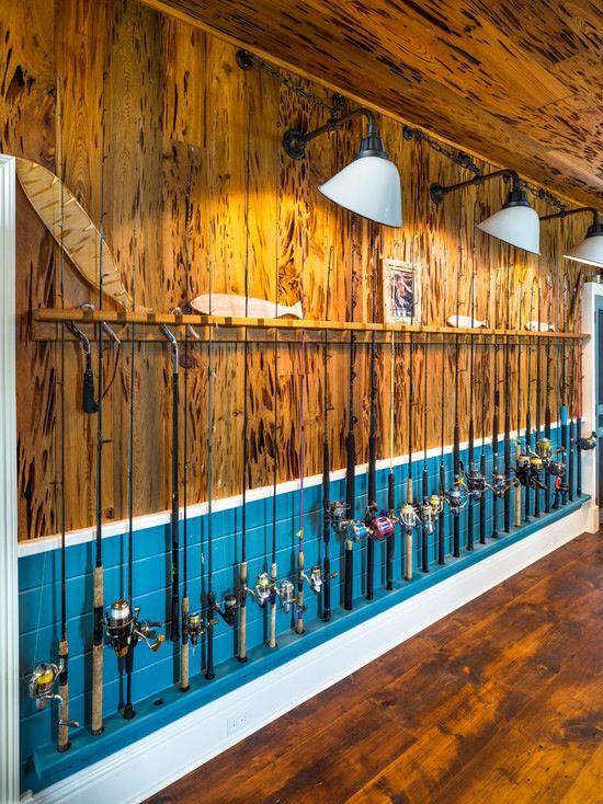 Fishing Rods Like The Lighting To Display Pics Above Them Decorating Ideas Casa De Lago Señuelos Pesca