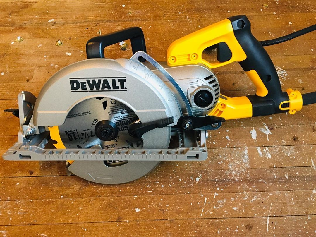 The Dewalttough Dws535t 7 1 4 Worm Drive Circular Saw Has Been A Great Saw Over All Made The Demo Of Hardwoo Worm Drive Circular Saw Worm Drive Circular Saw