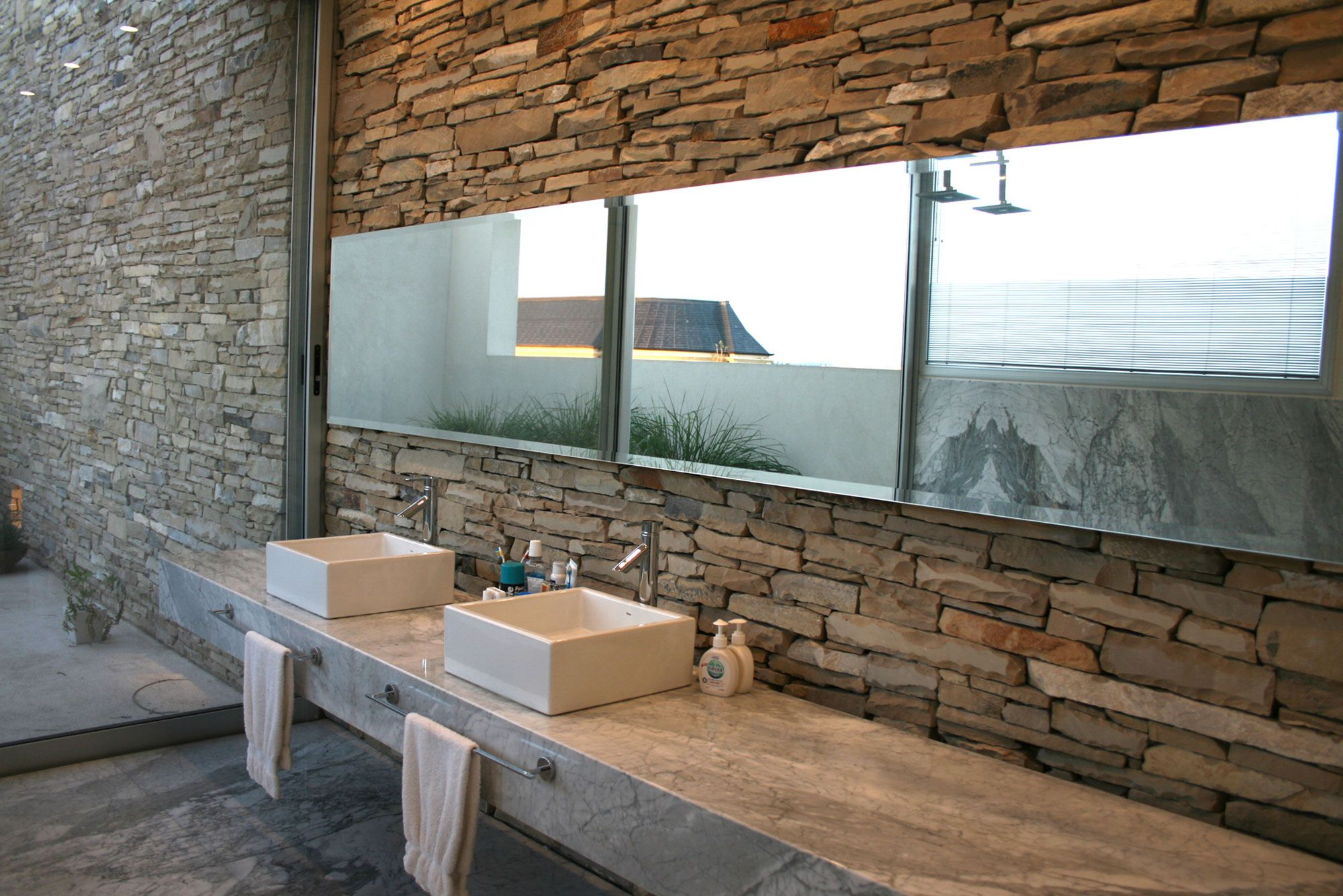 Simple Rustic Bathroom Designs stone bathroom concepts | awesome rustic modern bathroom designs