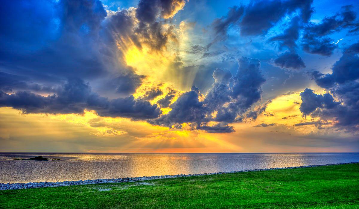 Hermosas nubes sobre el lago Okeechobee