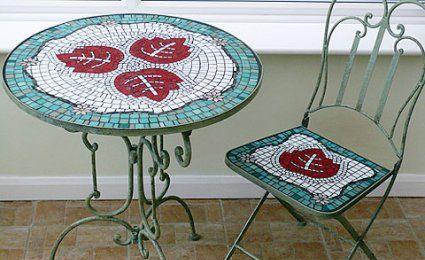 Comment fabriquer une table en mosaïque ? | BANC ET CHAISES | Table ...