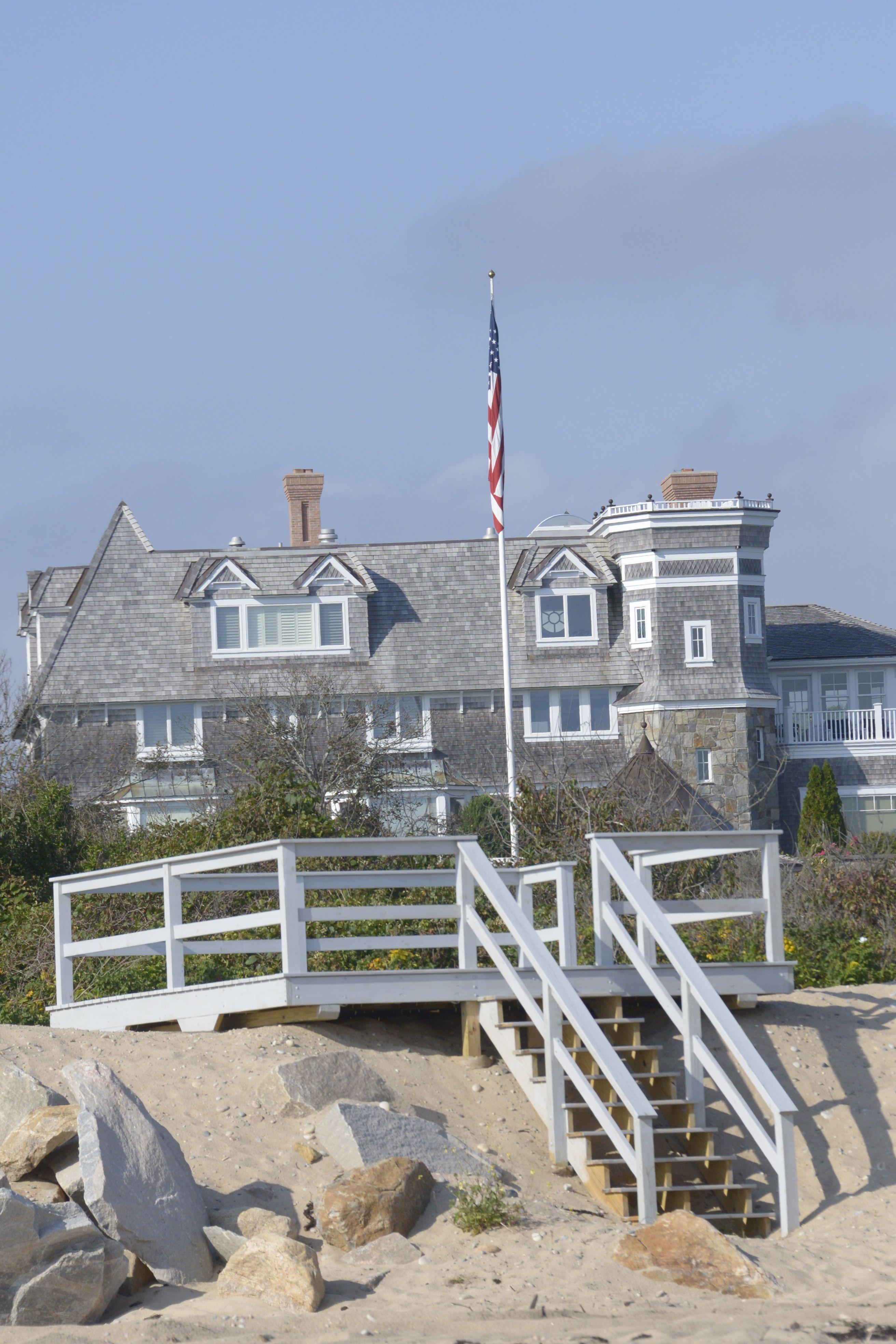 Dream Beach Cottage With Neutral Coastal Decor: Beatrice Augier Beeach Rhode Island