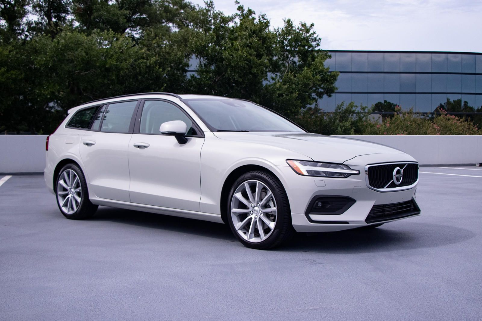 2020 Volvo V60 Test Drive Review Long Live The Wagon In 2020 Volvo Volvo V60 Exterior Design