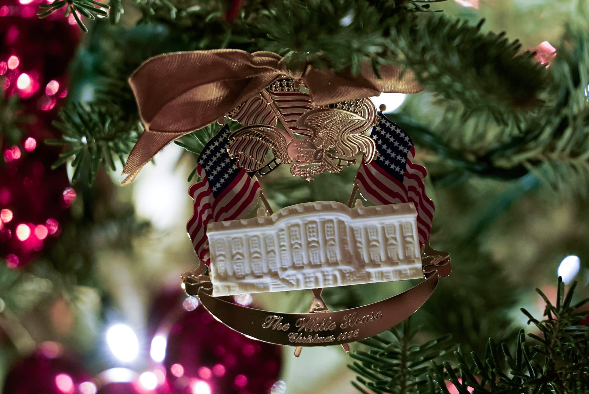 The White House S 2019 Christmas Decorations In Pictures Christmas Decorations White House Christmas Tree Christmas