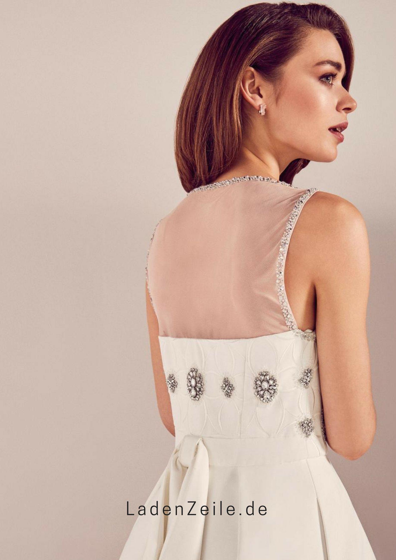 Brautkleid Mit Schmuckdetails  Designer outfits woman, Dresses