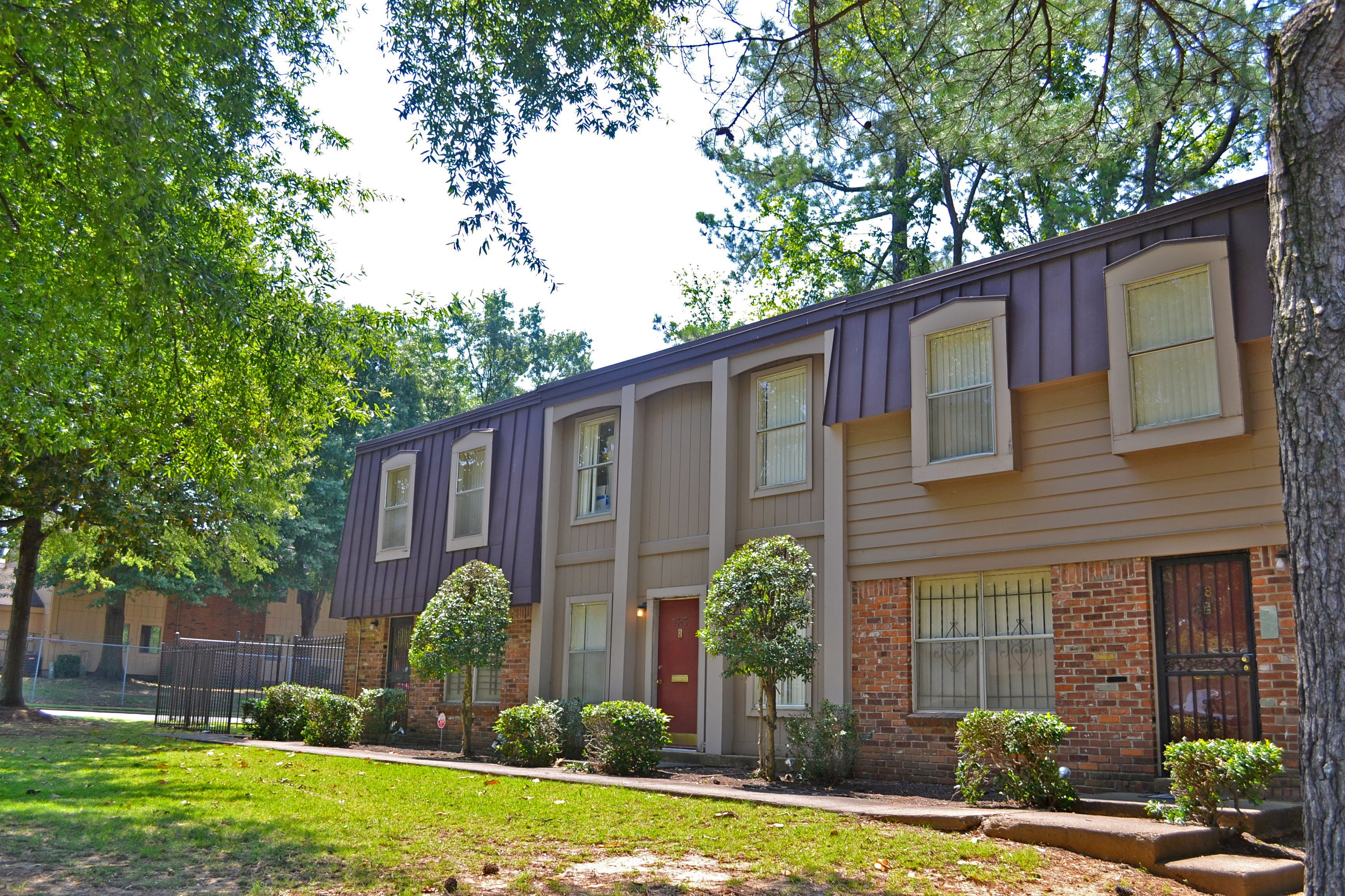 Hillcrest Apartments in the Whitehaven area of Memphis TN