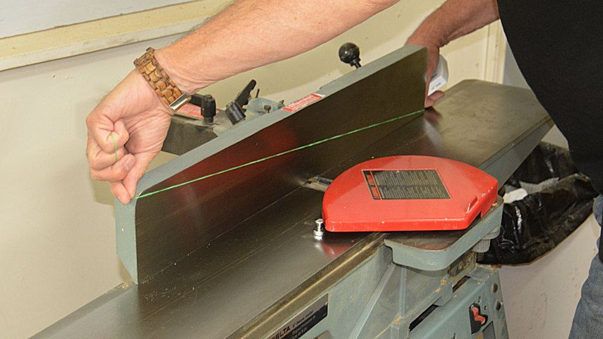 Wood Jointer Tips For Setting Up And Using A Jointer Woodworking Videos Woodworking Jigs Wood