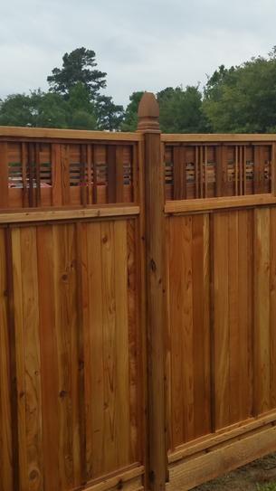 6 ft H x 6 ft W Western Red Cedar Horizontal Lattice Top Fence