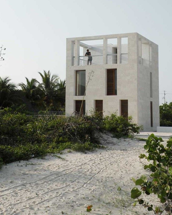 Plug architecture lookout tower house house for Mia villa wohnen