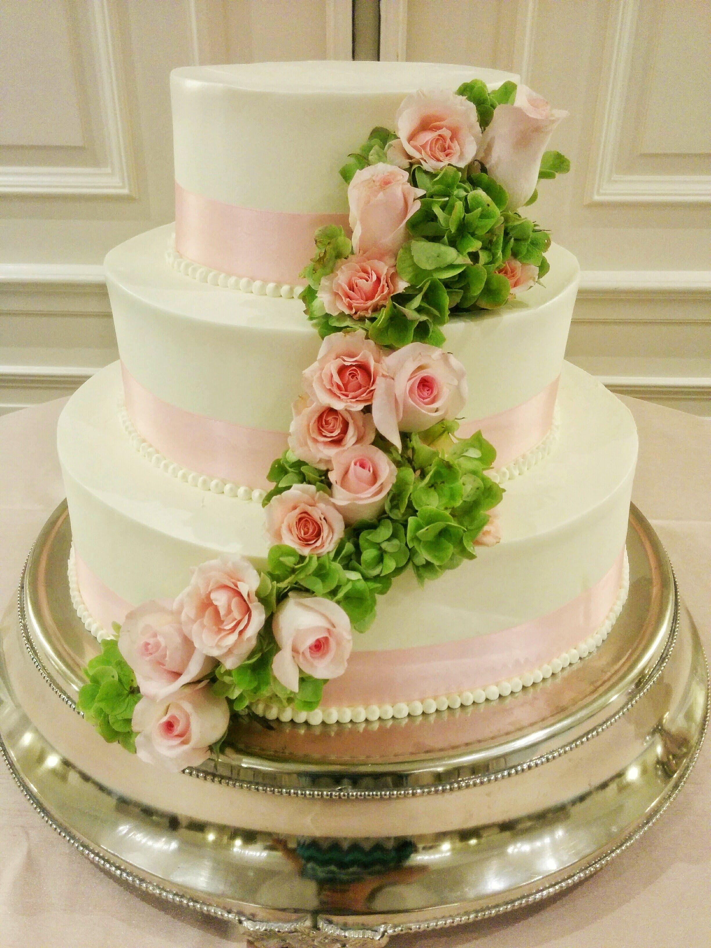 3-tier Cake White Buttercream Icing Pearl Border