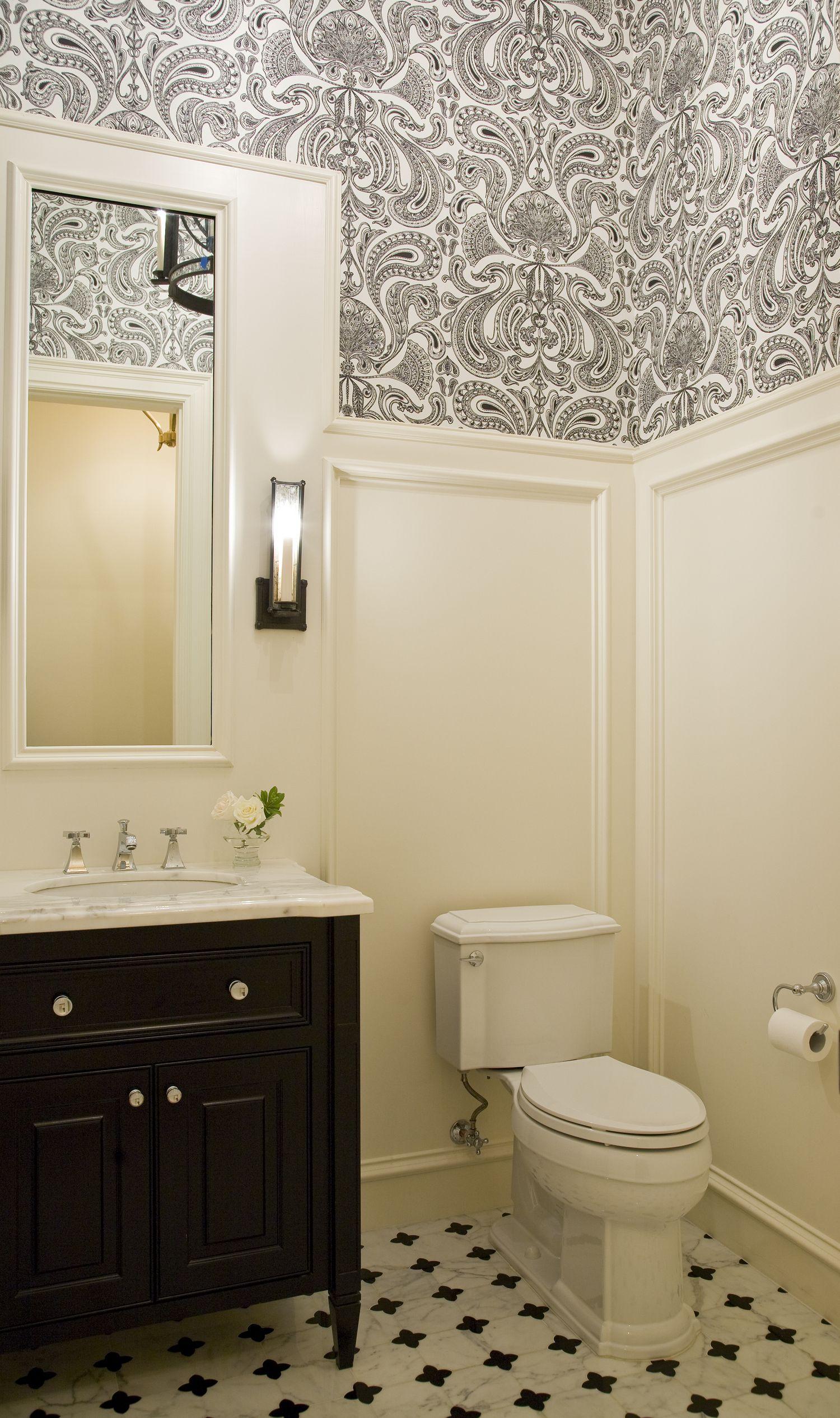 Black and white guest bathroom. Design // Austin Bean