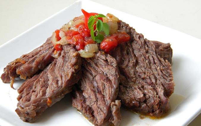 ............... Receita Fraldinha na Panela de Pressão Ingredientes 1 kg de carne fraldinha 2 tomates cortados em rodelas 1 cebola... Continue reading »