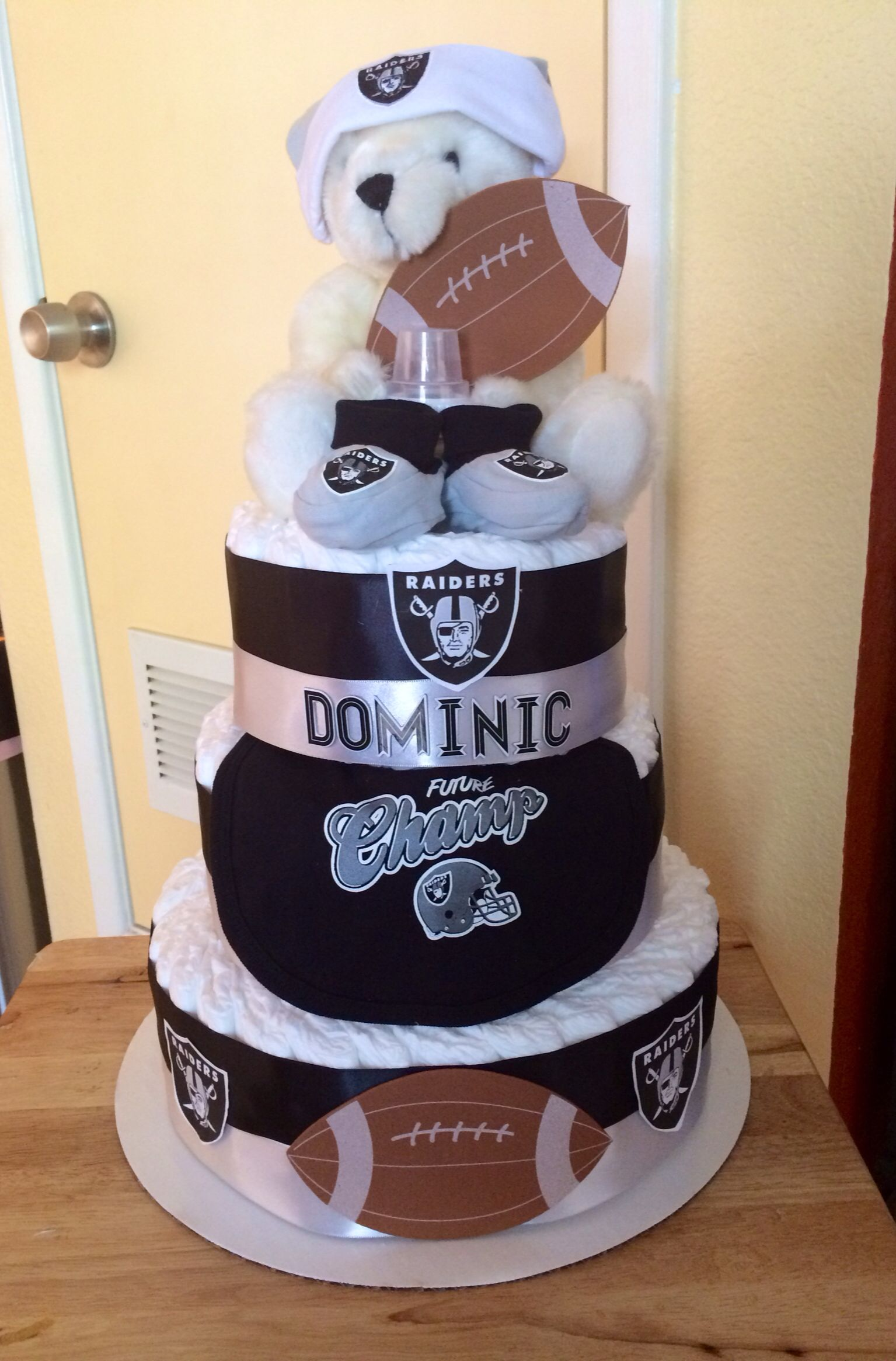 Oakland Raiders Diaper Cake 2