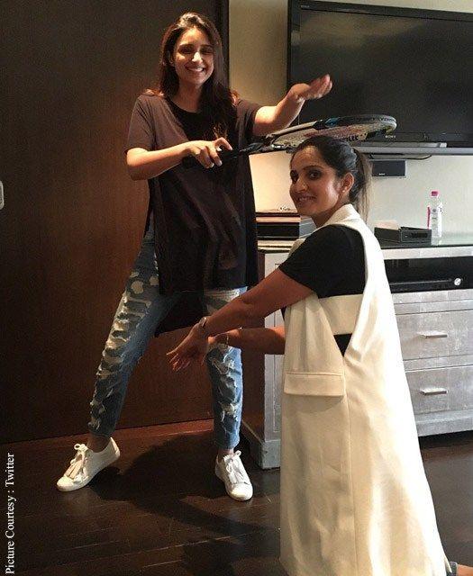 Parineeti Chopra 'Blesses' Sania Mirza! - Cine Newz