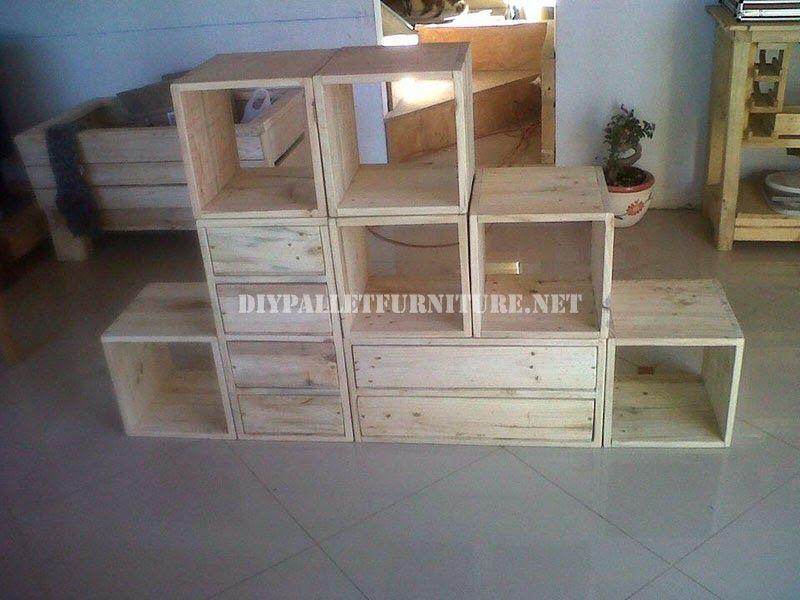 Muebles de palets estanteria modular hecha con palets - Estanterias con palets ...