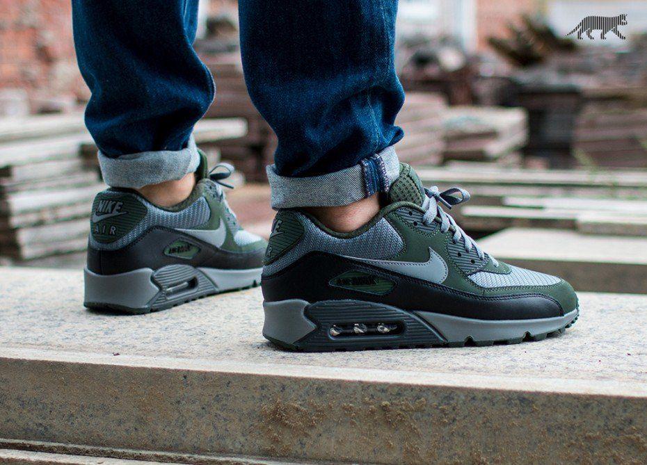 buy popular 8439d 27dc5 Nike Air Max 90 Essential (Cool Grey   Cool Grey - Black - Carbon Green)