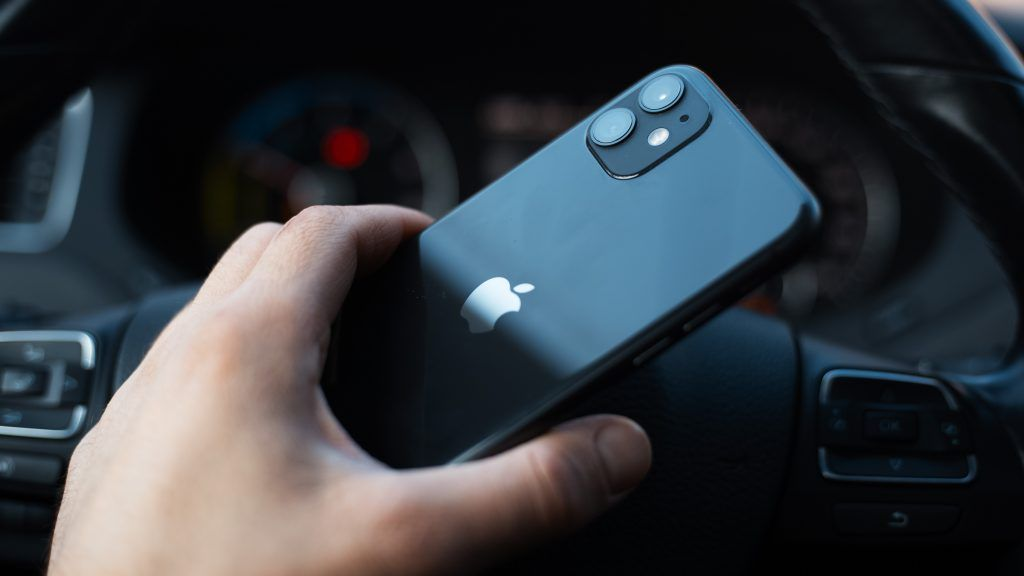 How To Use The Back Tap Flashlight Trick On Your Iphone In 2021 Iphone Flashlight Tap