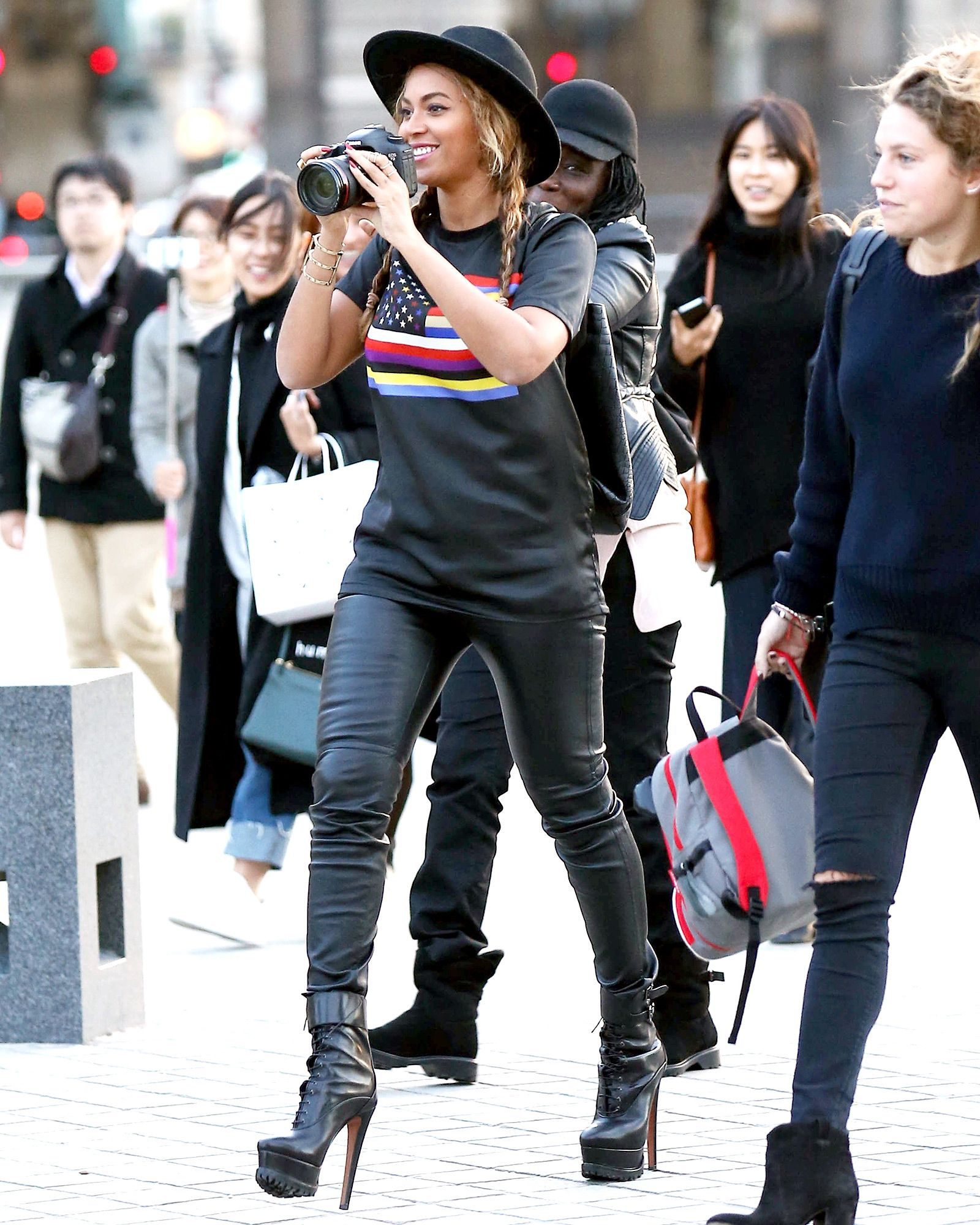 Admirable Holy Heels Beyonce Wears Sky High Boots While Snapping Pics In Schematic Wiring Diagrams Amerangerunnerswayorg