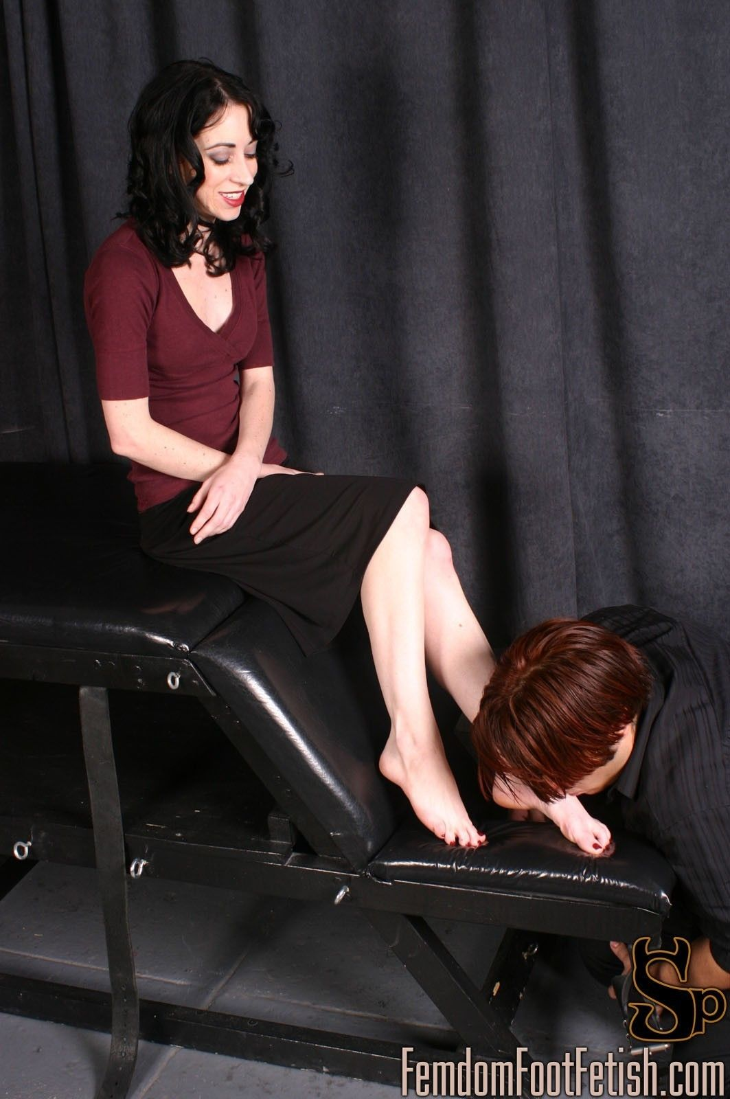 bare-foot-femdom