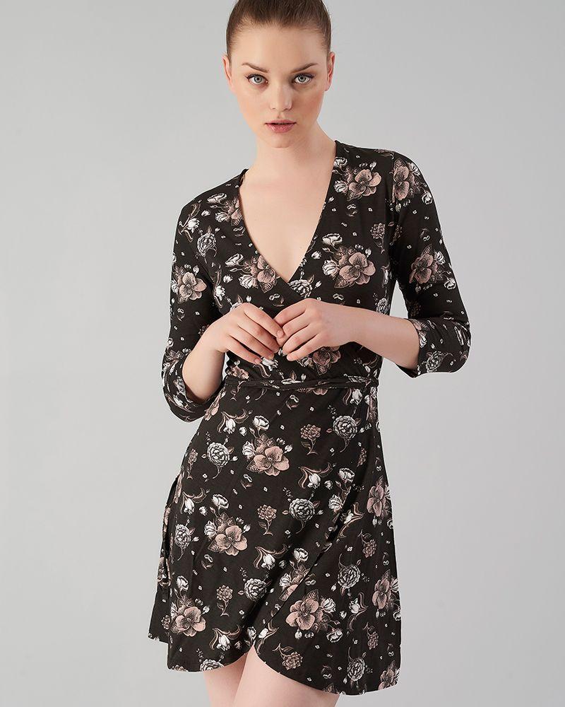 2e12280d2225 Φλοράλ μίνι φόρεμα. Κρουαζέ με V λαιμόκοψη. Μανίκι 3 4.