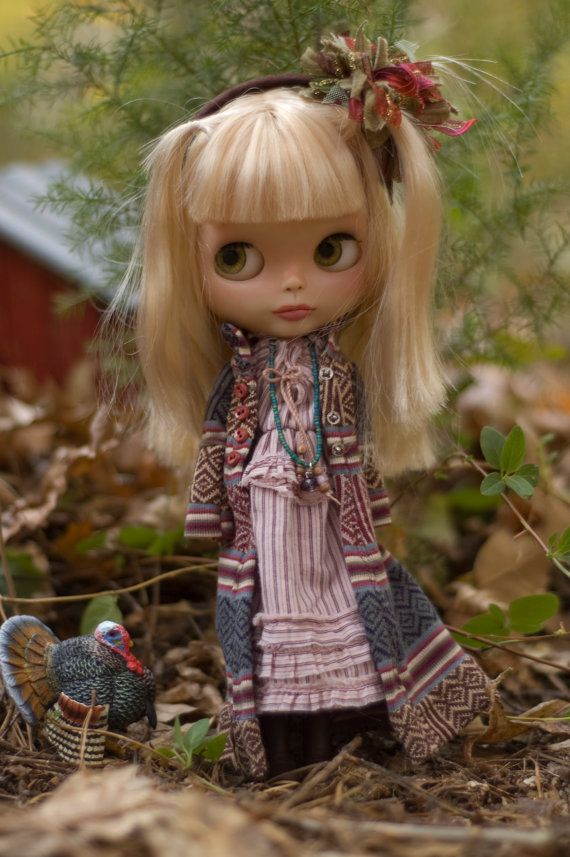 Bohemian Ruffle Dress, Long Pattered Cardigan With Faux Suede Headband And Beaded Necklace For Blythe Doll