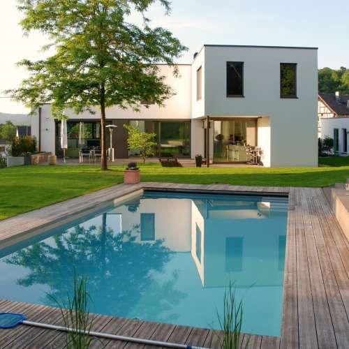 Moderner premium pool mit ausgew hlen und hochwertigen for Gartengestaltung mit pool