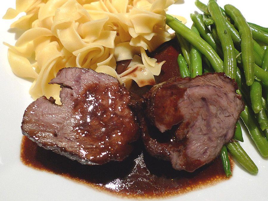 Perfekt geschmorte Ochsenbäckchen - Rinderbäckchen - Schmorinfos #beefsteakrecipe