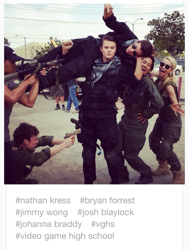 Nathan Kress Being Picked Up By Bryan Forrest With Jimmy Wong Johanna Braddy And Josh Blaylock Vghs Nathan Kress High School Games Cute Actors @ghargadon i'm actually working on other jobs right now. www pinterest jp