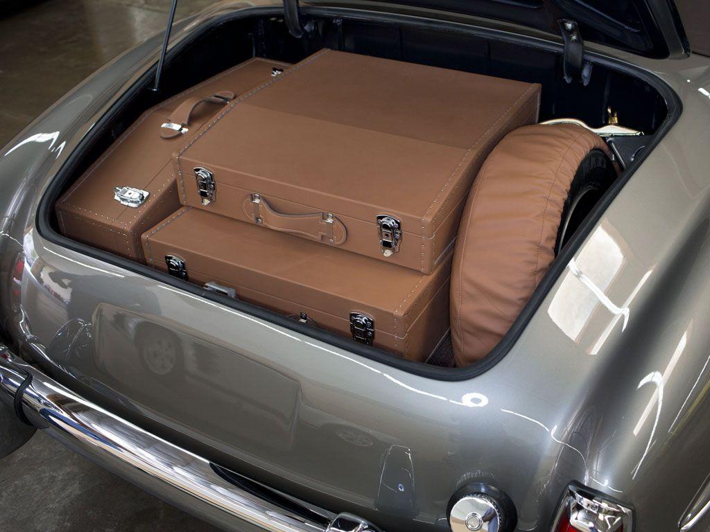 1961 mercedes benz 190sl roadster custom luggage 190sl. Black Bedroom Furniture Sets. Home Design Ideas