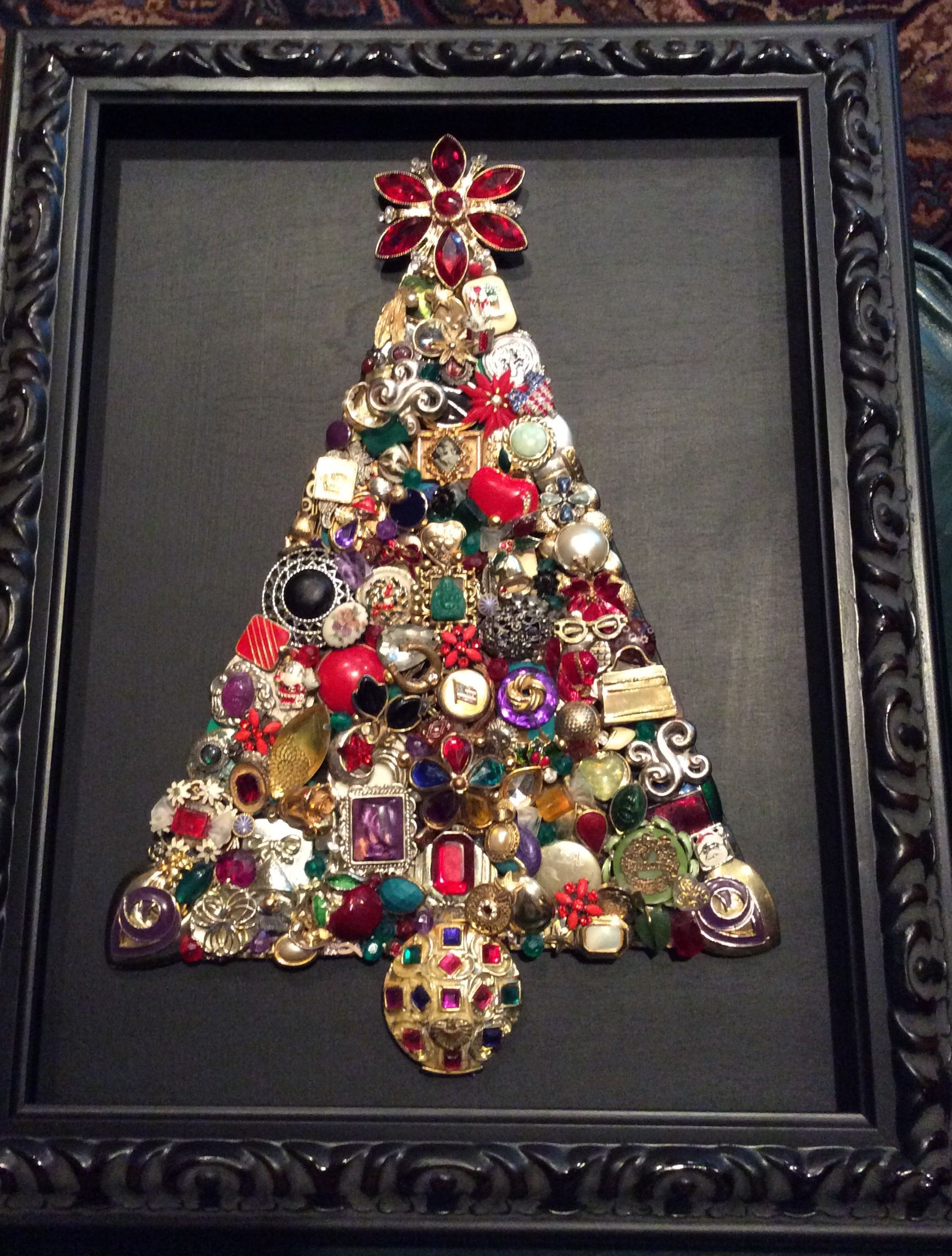 Red, green and purple! Vintage jewelry Christmas tree. | Things made ...