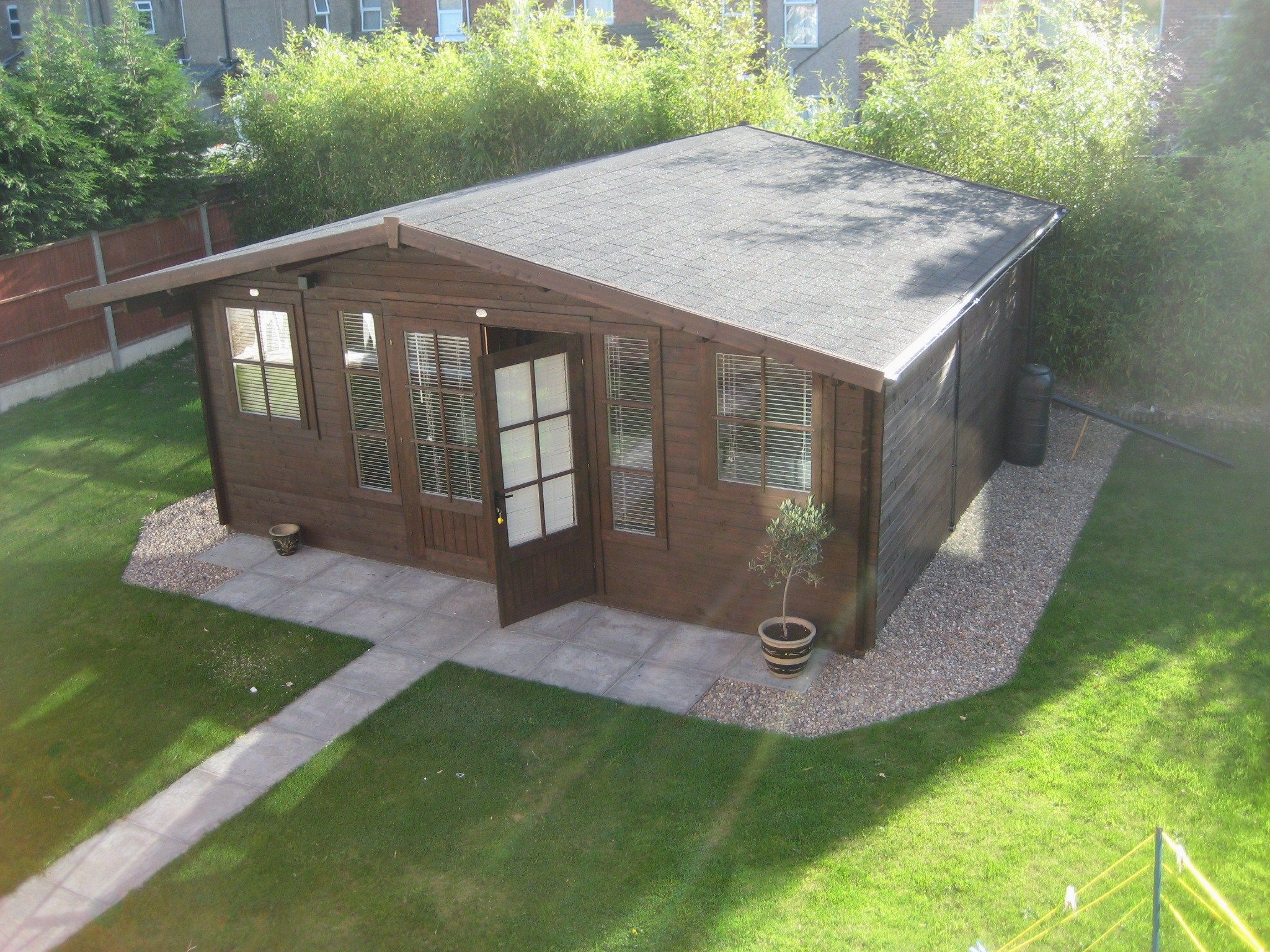 This Vanguard 500 #LogCabin is beautiful and lends itself to a variety of uses from a #GardenOffice, art studio, games room for the kids or perhaps just a place to sit and relax and entertain friends and family.    http://dunsterhouse.co.uk/log-cabins/vanguard-500   #gardenideas #shedideas