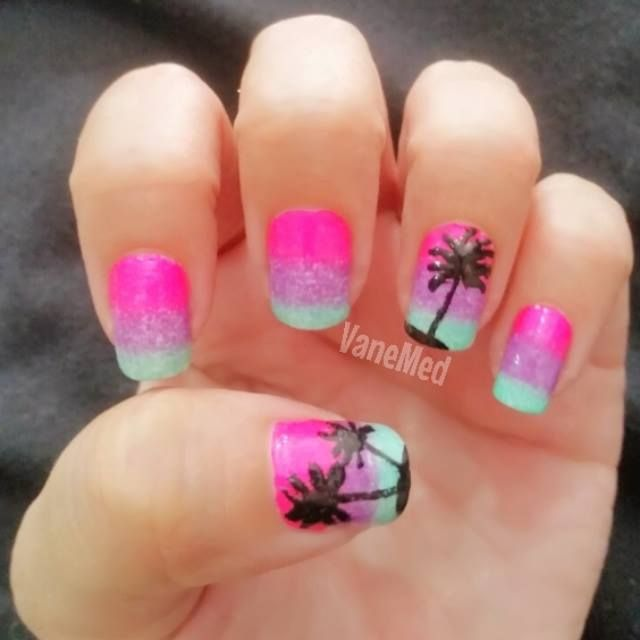 Uñas Degradado con palmeritas. Muy tropical! #nail #art #ombre #palm ...