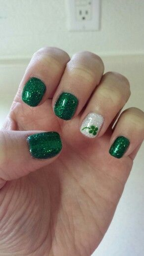 Shamrock Easy St Patricks Day Nail Designs Easy Nail Art For Beginners Step By Step Nail Art For Beginners St Patricks Day Nails Simple Nail Designs