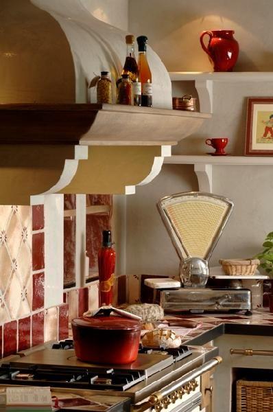 exemple de hotte provençale CUISINES ÉQUIPÉES (Provençales